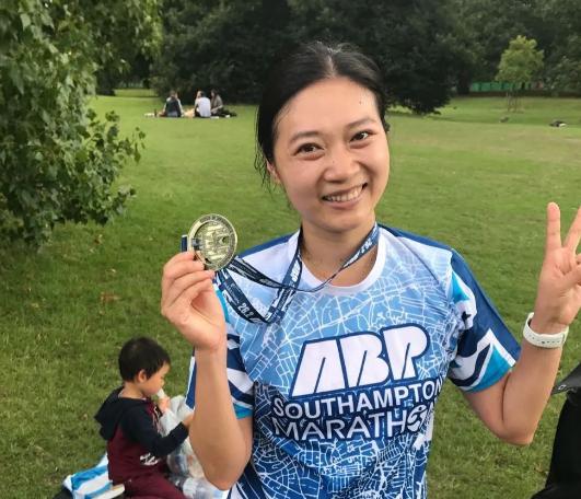跑动英伦俱乐部会员林江雪第一个马拉松